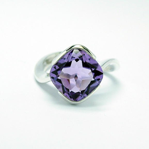 amethyst_10mm_x_10mm_cushion_cut_silver_cocktail_ring