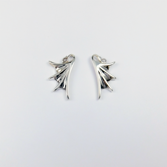 flutterby_stud_earrings_crop