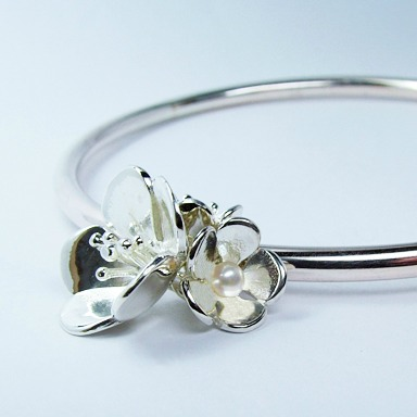hawthorn_bangle_crop