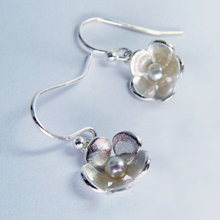 hawthorn_pearl_drop_earrings2