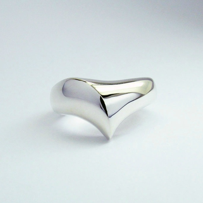 silver_silken_ring_135_crop