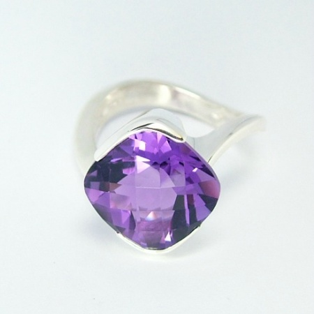 large_amethyst_cushion_cut_amethyst_ring_12mm_x_12mm_1095903876